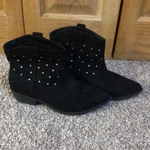 Circus by Sam Edelman black suede booties